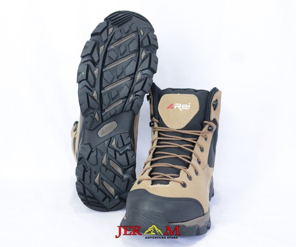 Sepatu Gunung Kulit Hiking Waterproof Rei Thunder Shoes